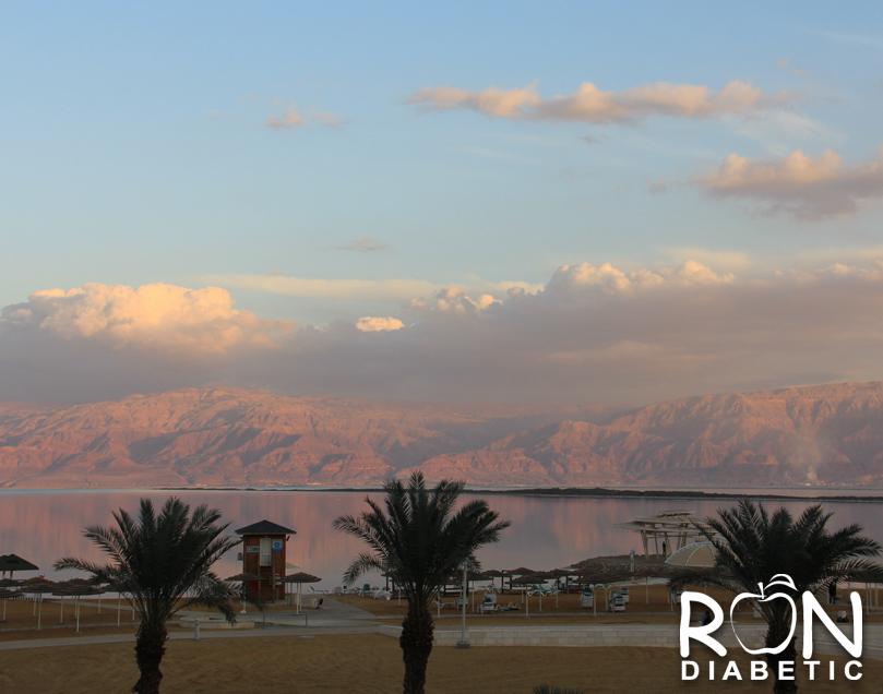 Вид Мертвого моря из лобби отеля HERODS