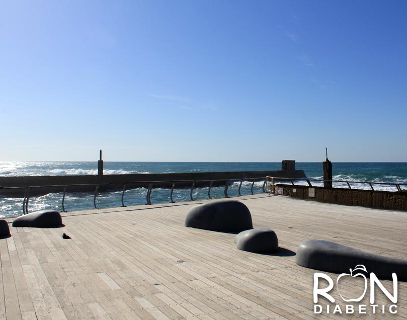 Камни-скамейки. Старый порт. Тель-Авив