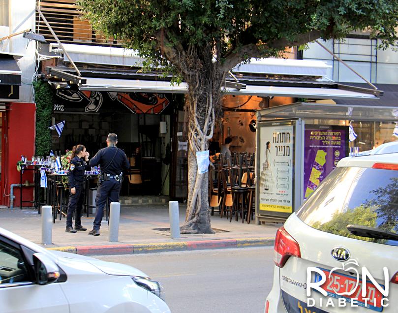 Кафе, где 1-го января 2016 года произошел теракт. Тель-Авив