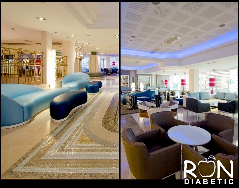 Красивое и уютное лобби отеля HERODS