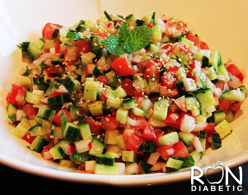 Простой и вкусный израильский салат