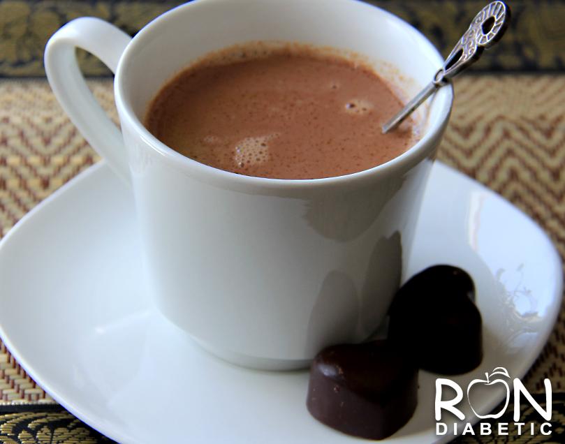 Рецепт домашнего горячего какао на миндальном молоке