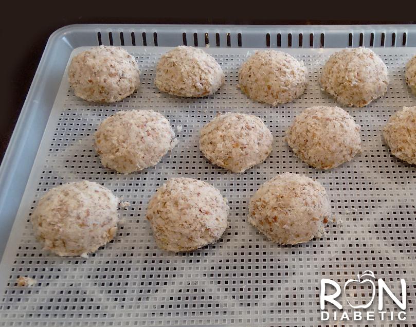 Вкуснейшее-сыроедческое-печенье-из-миндального-жмыха_2